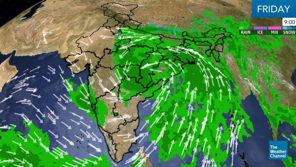 Cyclone Daye Hits Odisha; Will Weaken by Afternoon