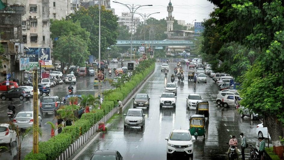 Surat to Receive Heavy Rain over Weekend; Widespread Showers Forecast over Gujarat Region