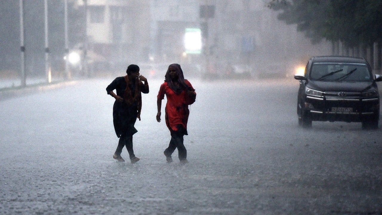 Tamil Nadu Kerala Karnataka To Receive Heavy Rains From Oct 26 28 As Final Southwest Monsoon Spell Lashes South India The Weather Channel Articles From The Weather Channel Weather Com