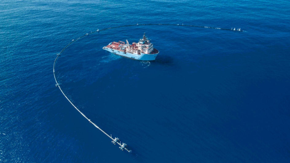 2000-Foot Floating Pipe to Start Collecting Plastic in Pacific Ocean
