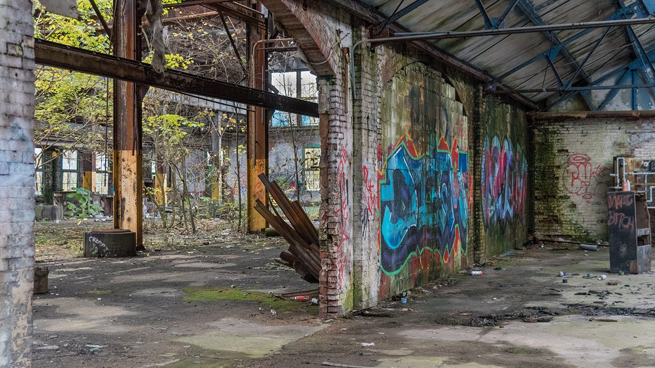 Abandoned Industrial Sites of the East Coast (PHOTOS)