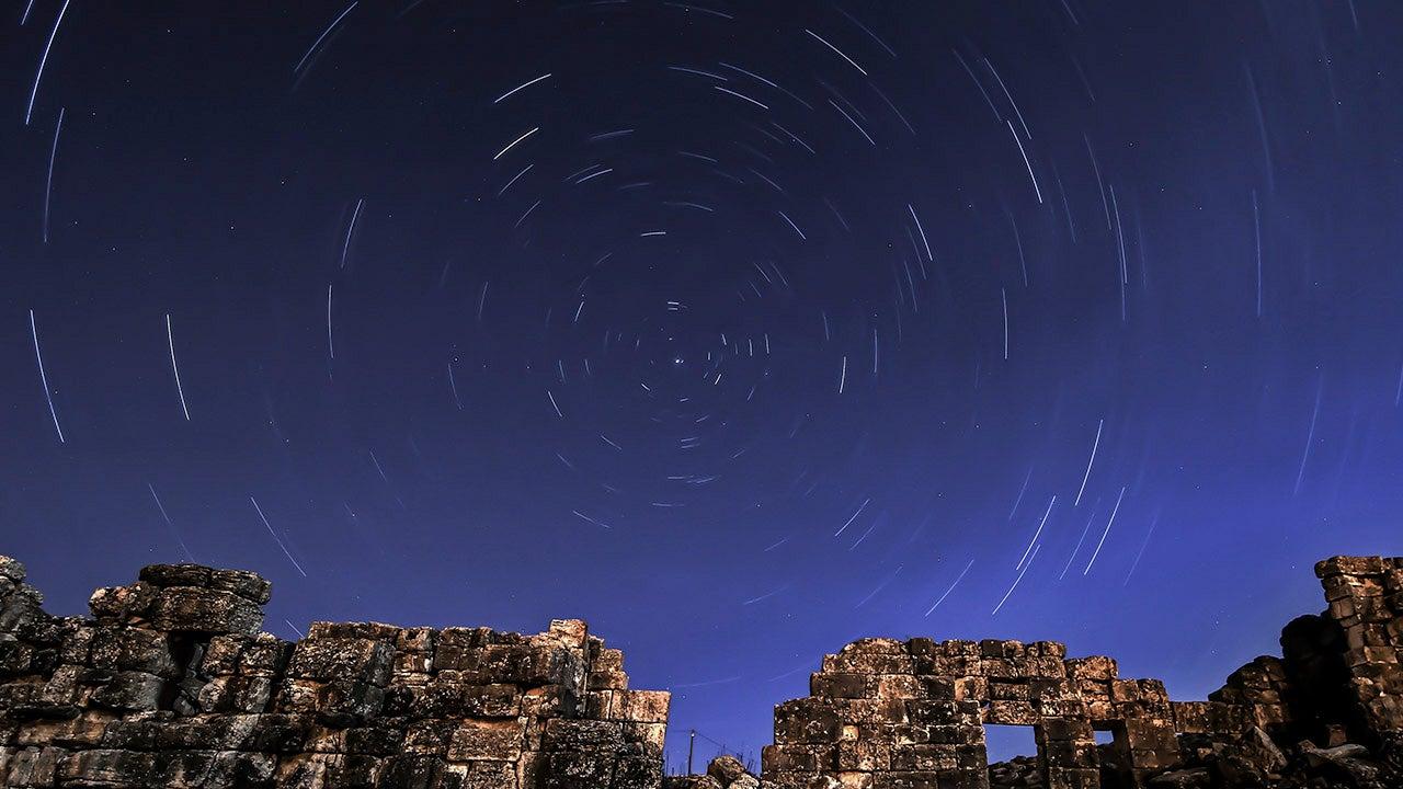 April Skies Bring Mars, Saturn, Venus, Lyrid Meteor Shower and More