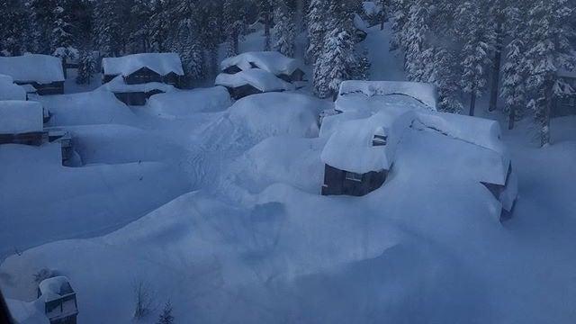 u0026 39 januburied u0026 39   snow breaks records in the sierra nevada
