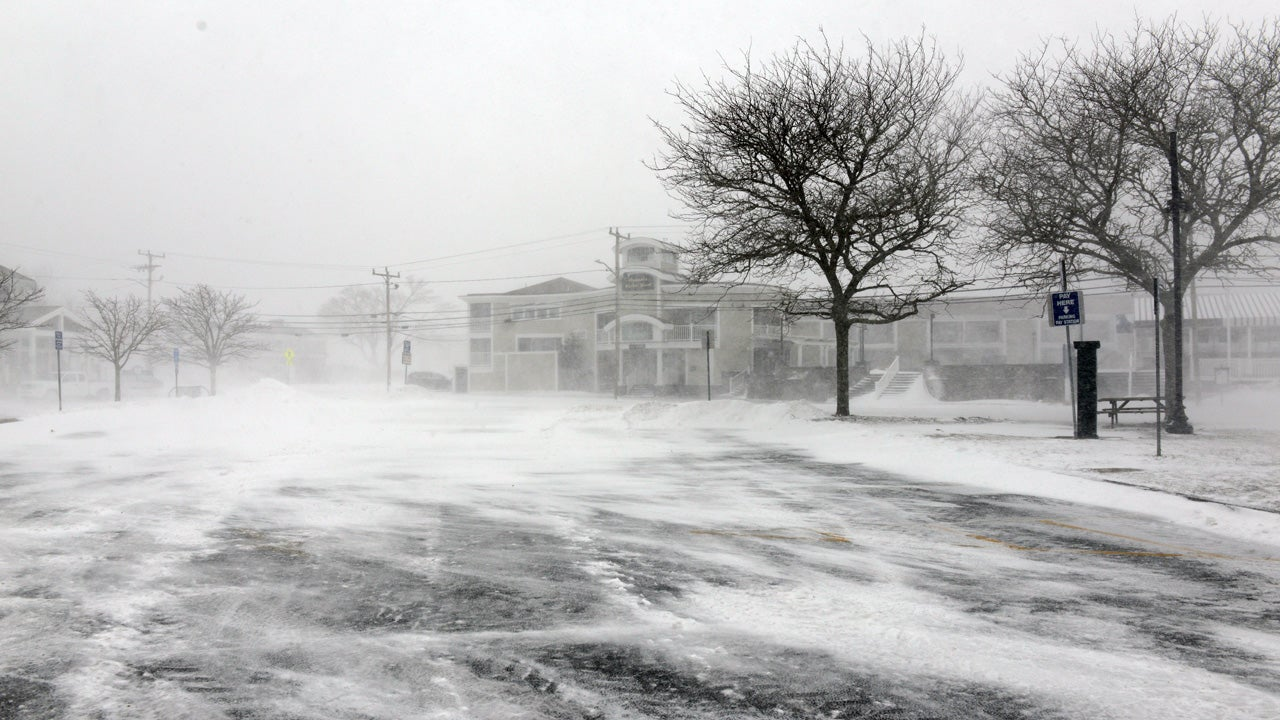 juno leaves all of nantucket dark  thousands more without
