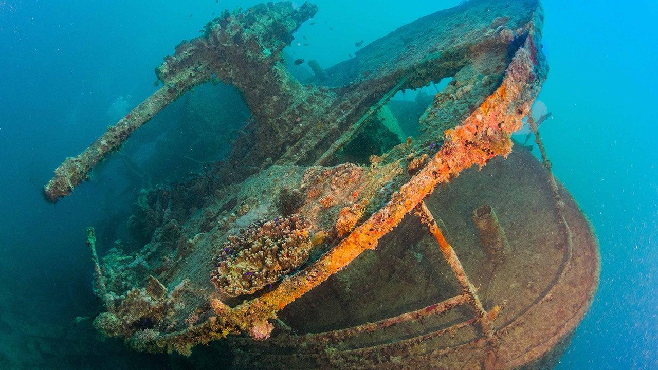 Creepy Underwater Places |Sunken Ships Underwater