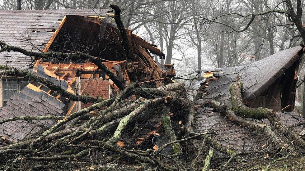 powerful storms tear through arkansas  spawning tornadoes