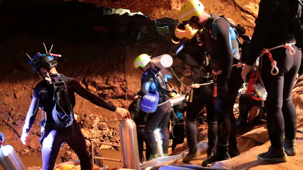 All 12 Boys and Coach Rescued from Thai Cave in Race Against Time, Weather