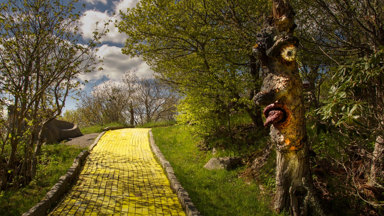 You Can This Abandoned Wizard Of Oz Theme Park Photos The Weather Channel