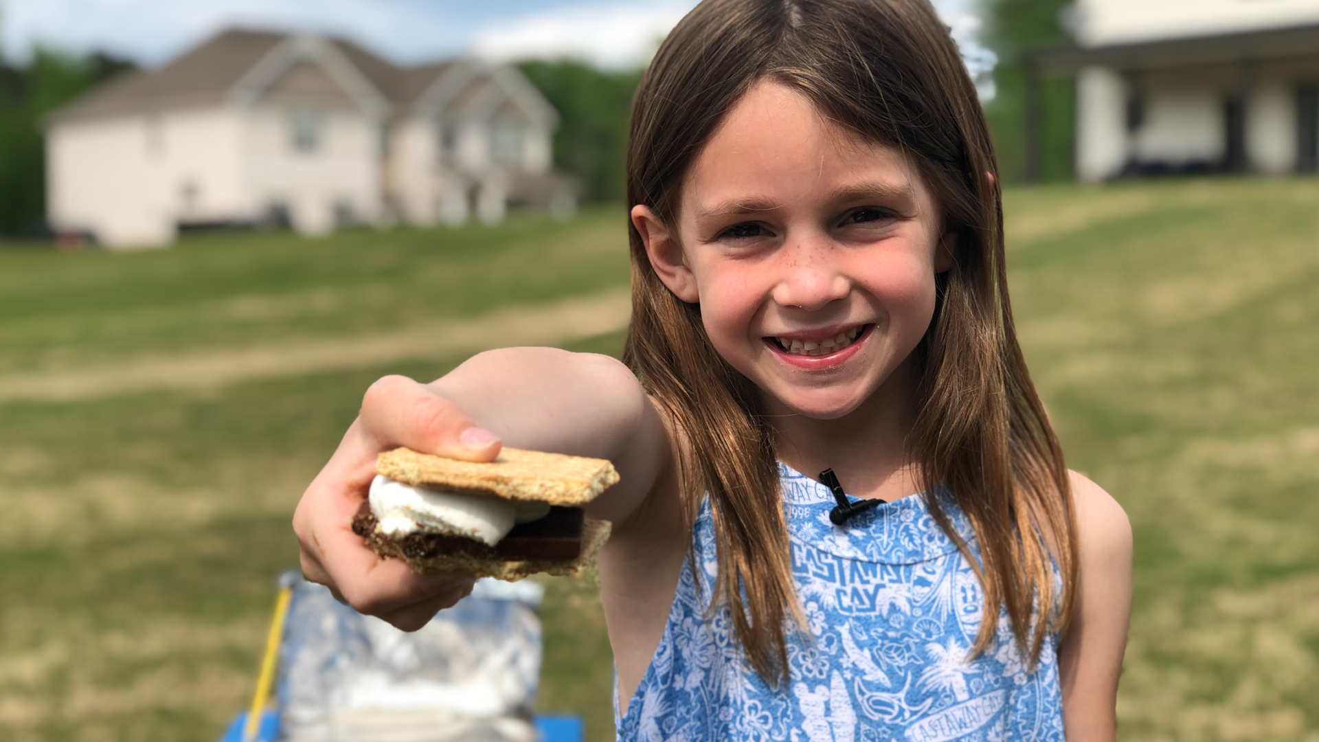 How to Make S'mores in a Solar Oven