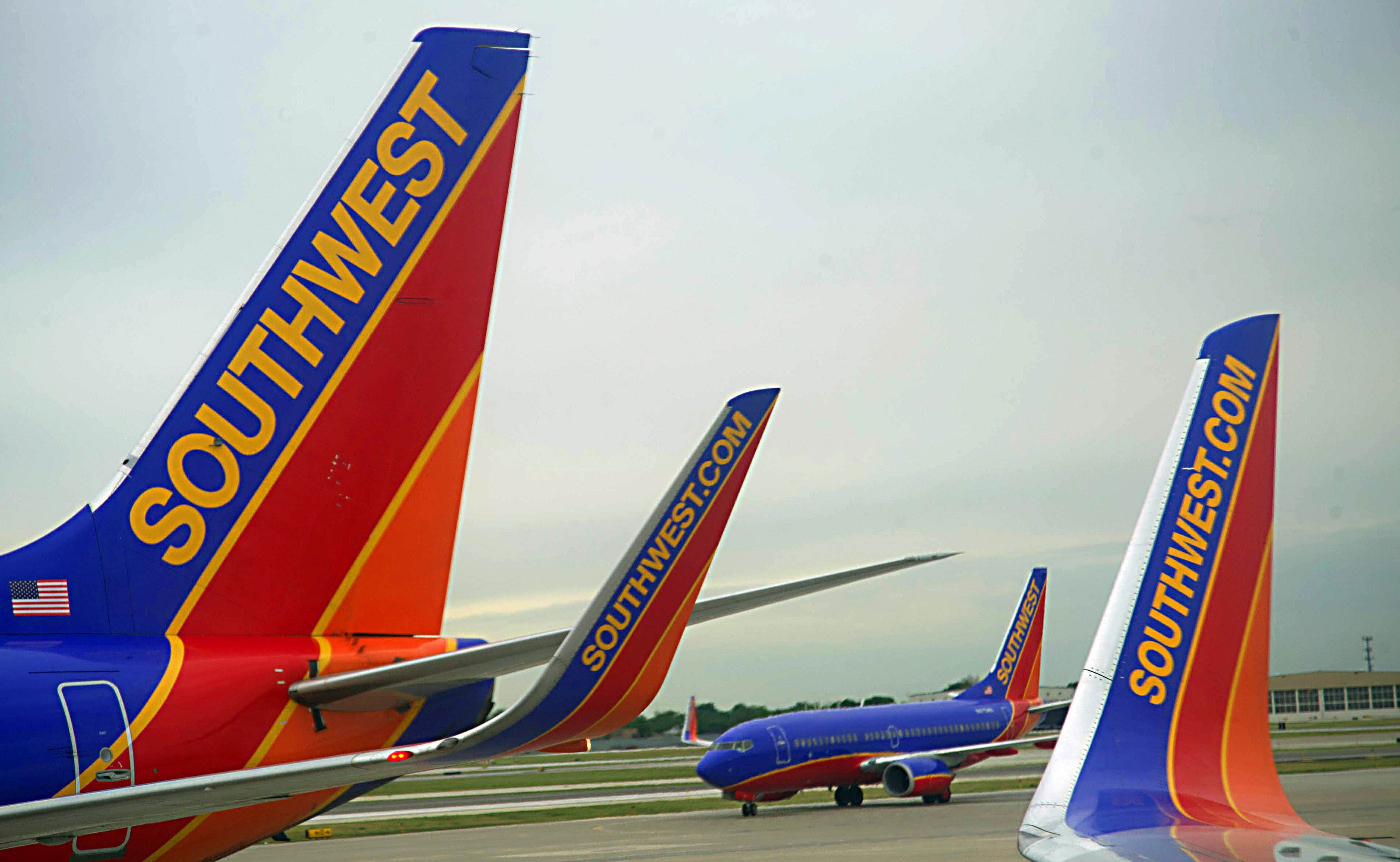 an overview of the strategic planning of southwest airlines Strategic management case discussion on southwest on plan create and work and southwest airlines case presentation (strategic.
