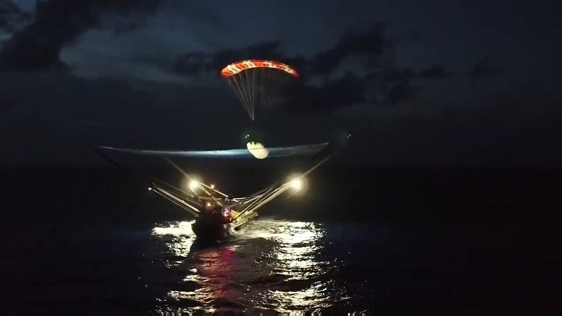 Watch SpaceX Catch Rocket Piece with Net-wielding Boat in Atlantic