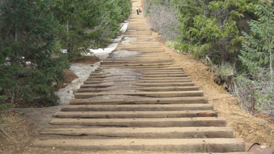 A Staircase to the Clouds in Colorado Has 2,768 Steps