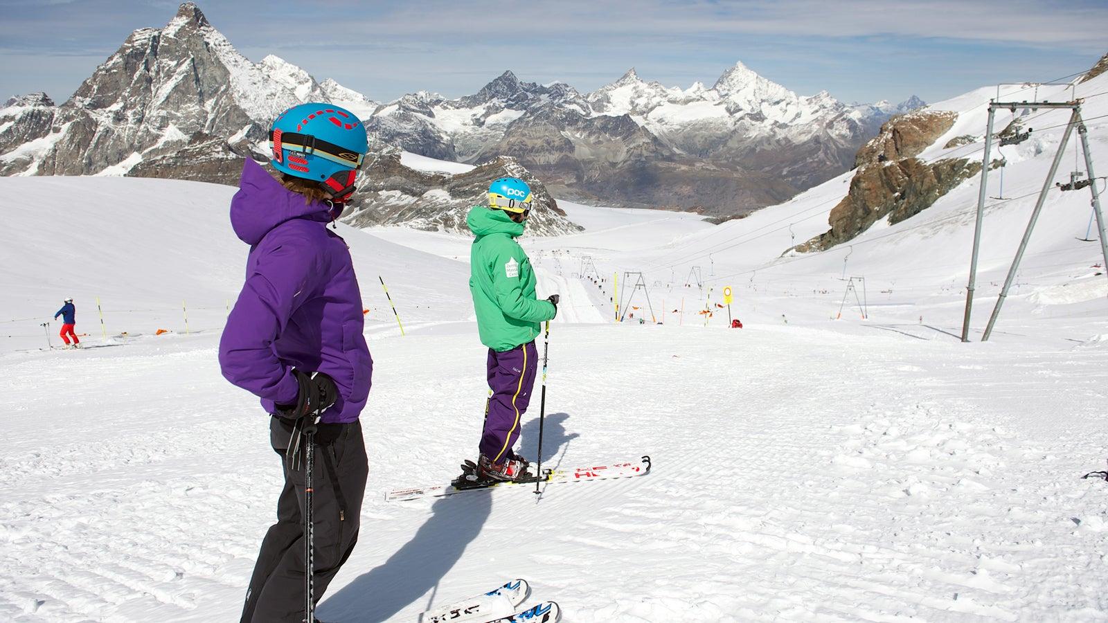 Hier lockt eine 15 Kilometer lange Skiabfahrt