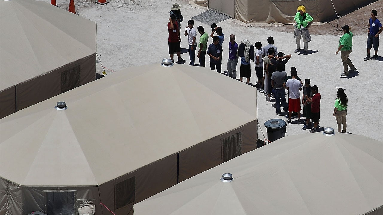 Immigrant Children Arrive at Tornillo Tent City as Temperatures Soar Above 100