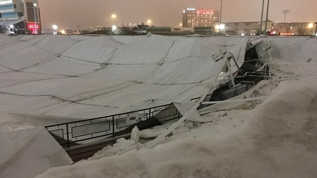 heavy snow and ice cause texas tech athletic center roof