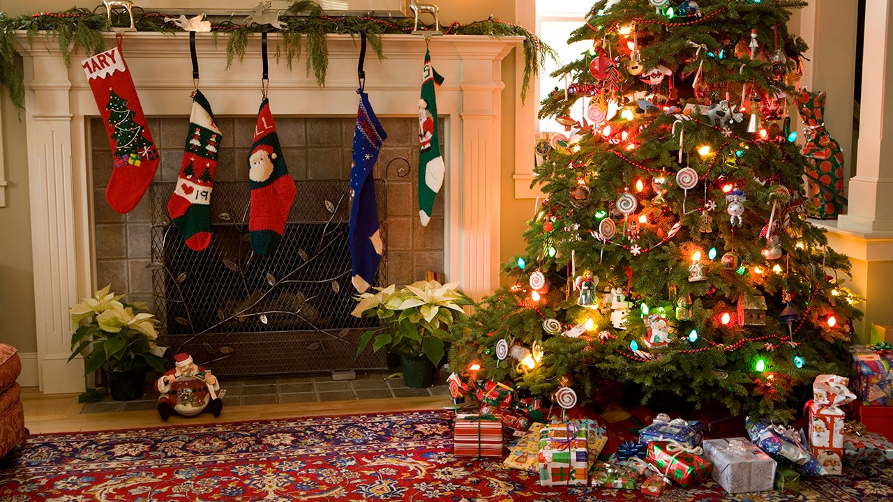 10 Eco-Friendly Ways To Get Rid Of Your Christmas Tree