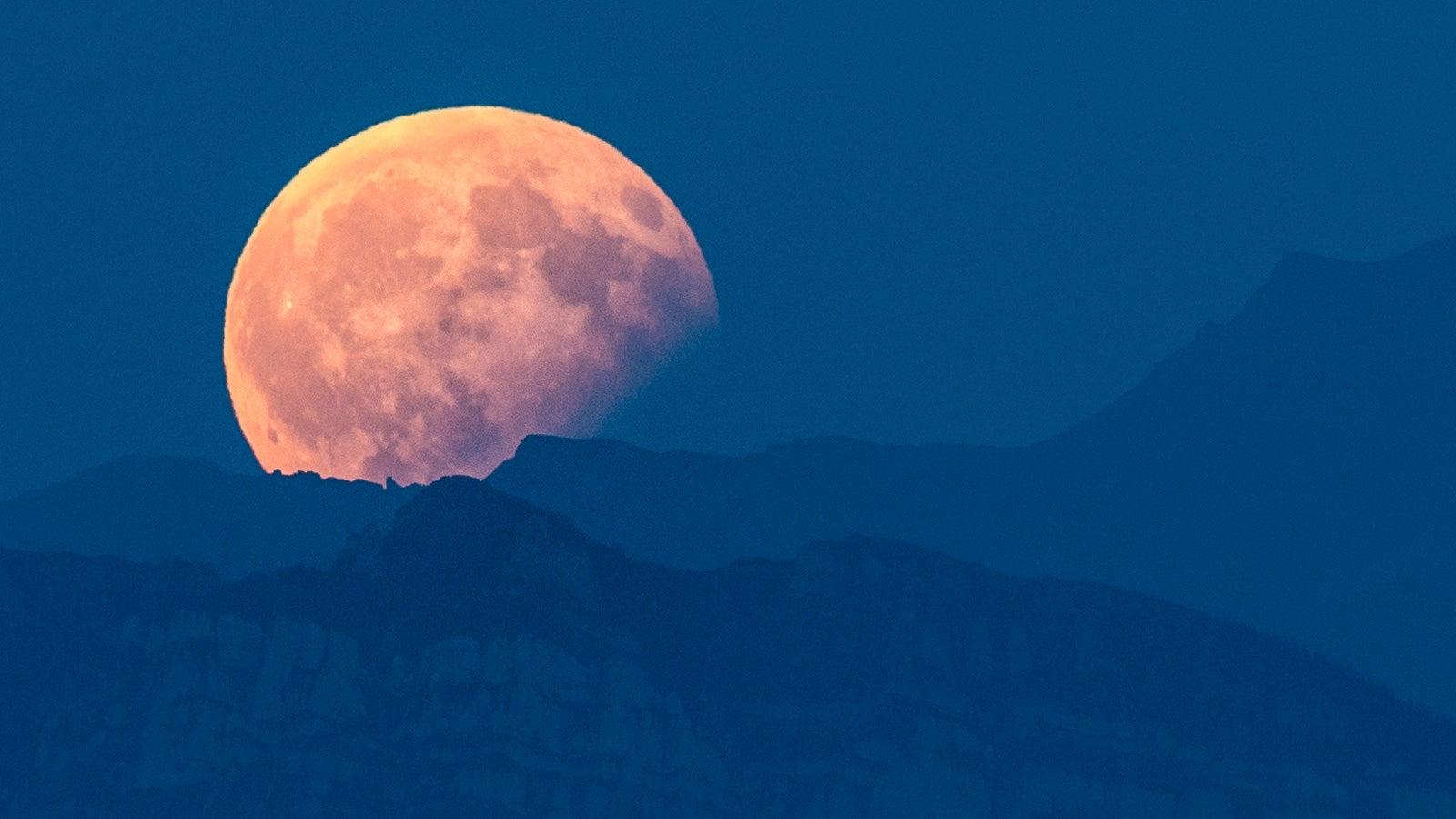 """Versteckte """"Monde"""" entdeckt: Zwei weitere kosmische Gefüge kreisen um die Erde"""