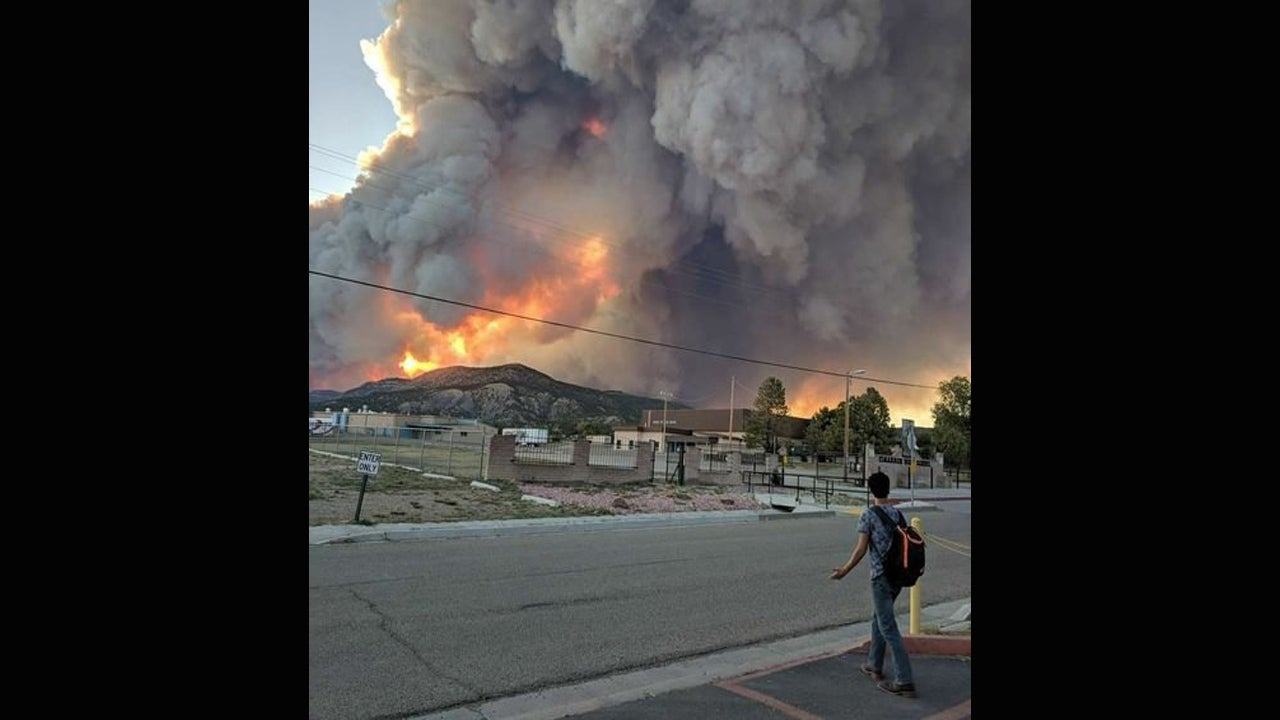New Mexico Fire Forces Evacuations; Nearly 300 Homes Threatened, Officials Say