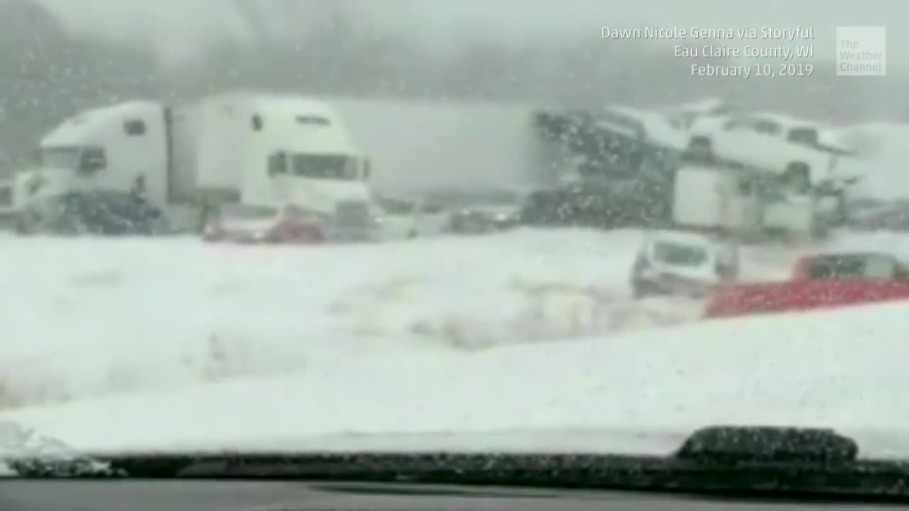 40-car Pileup in Wisconsin Injures 7, Shuts Down I-94