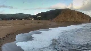 England Cliff Collapse Sends 1,000 Tons of Rocks Onto Beach