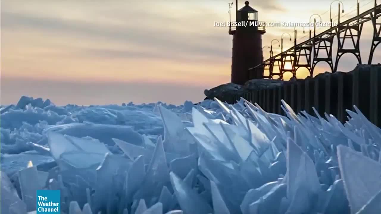 What Causes Ice Shards on the Great Lakes?