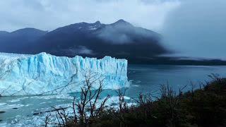 Watch Argentina's Famed Perito Moreno Glacier Crash into Lake
