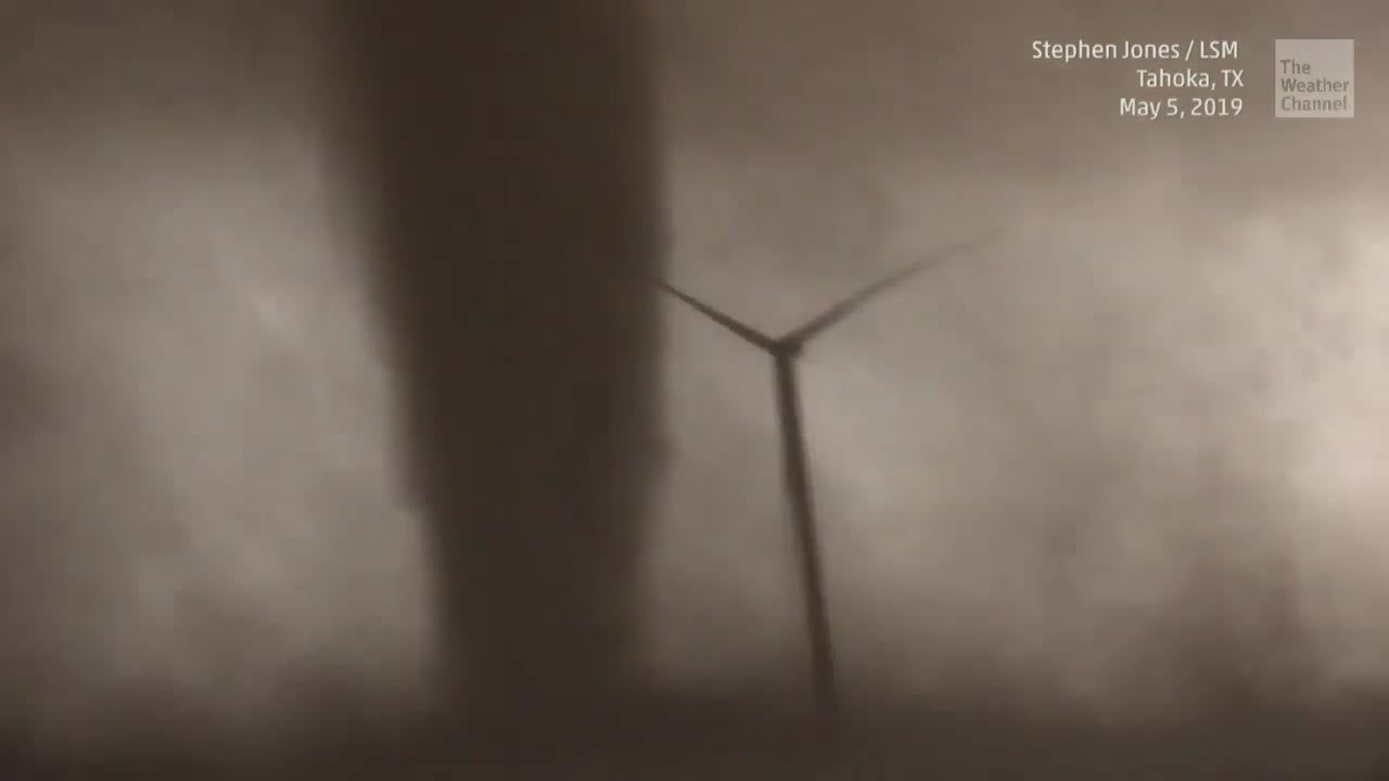 What Happens to Wind Turbines in Tornadoes?