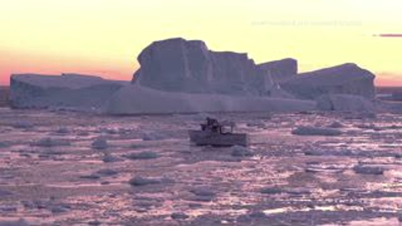Giant 10,000-year-old Icebergs an Incredible Sight