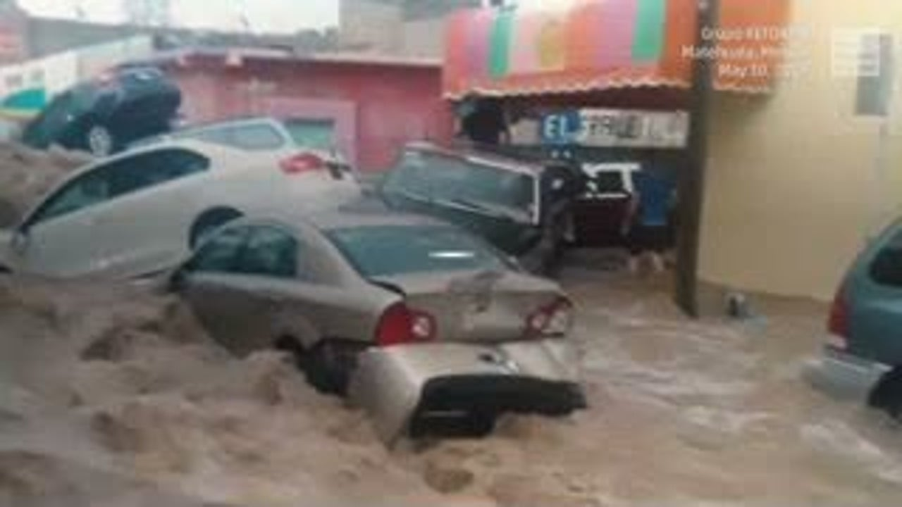 Heavy rain turns streets into rivers in Mexico