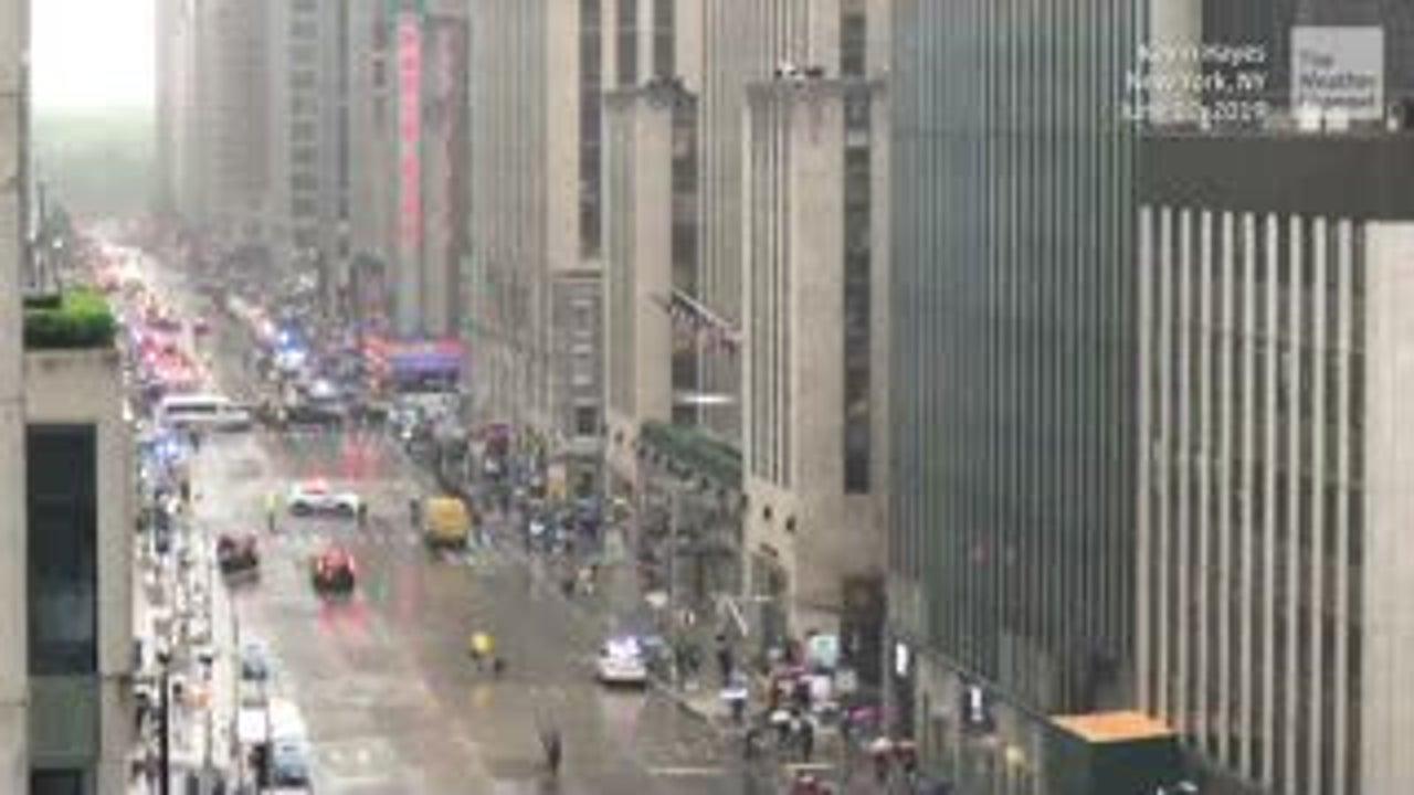 Un muerto al estrellarse helicóptero en Manhattan