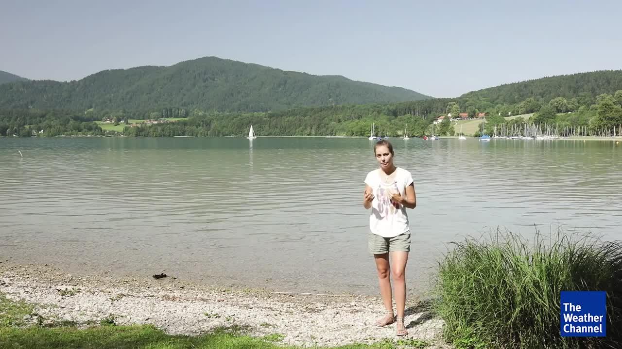 Die hohen Temperaturen laden zum Abkühlen im kühlen Nass eines Sees ein. Doch besonders bei extremer Hitze ist das nicht ungefährlich. Am heißen Mittwoch starben drei Menschen bei Badeunfällen. Wir erklären, was Sie unbedingt beachten müssen, wenn sie in das Wasser gehen. Und geben einen Überblick über die Wassertemperaturen in Deutschland.