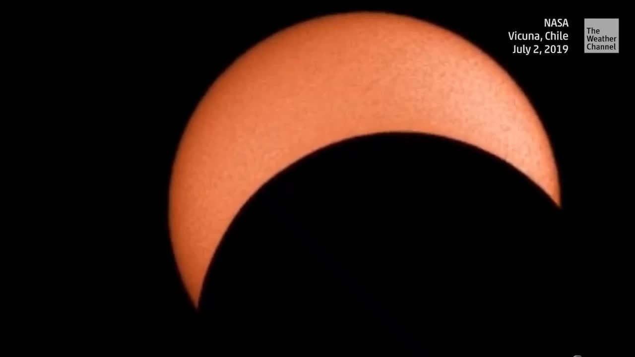 Watch Time-Lapse of Total Solar Eclipse