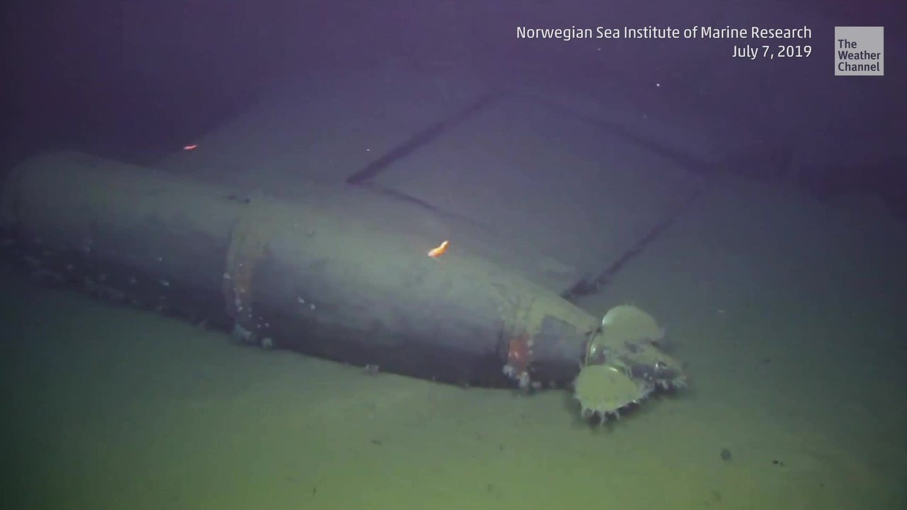A Cold War-era Soviet submarine that has been sitting in the Norweigian Sea for three decades is leaking an unusually high amount of radiation, according to the Institute of Marine Research.