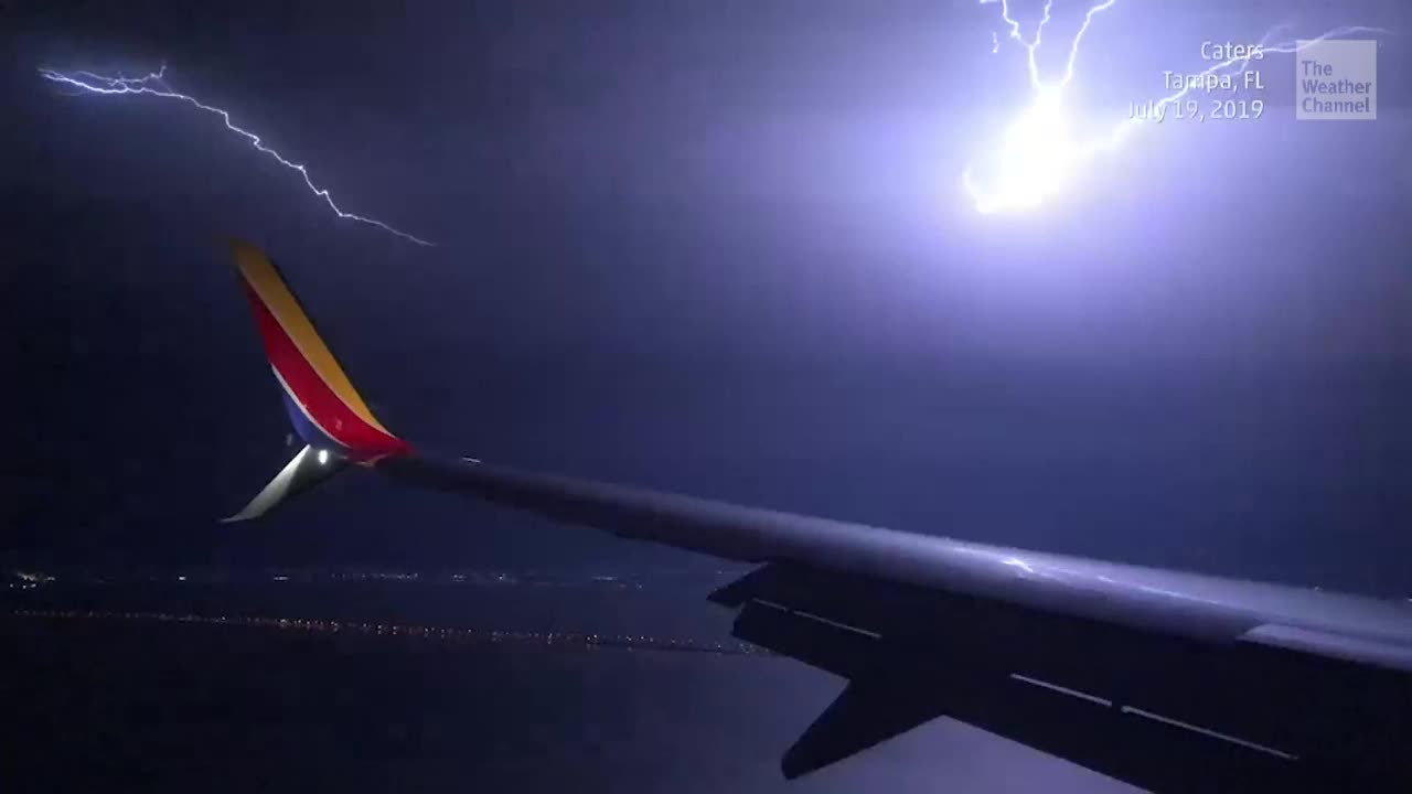 Terrifying Lightning Seen from Plane Circling Airport in Tampa, FL