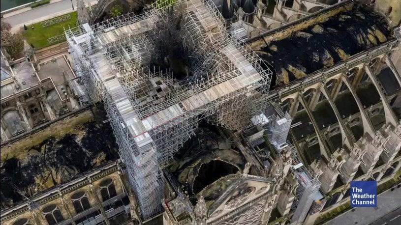 Notre Dame: Droht die Kathedrale wegen der Hitze einzustürzen?