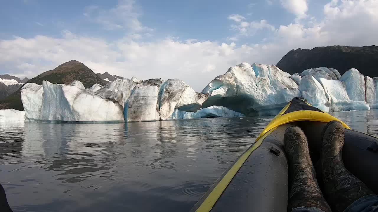 Glacier Collapse Surprises Kayakers