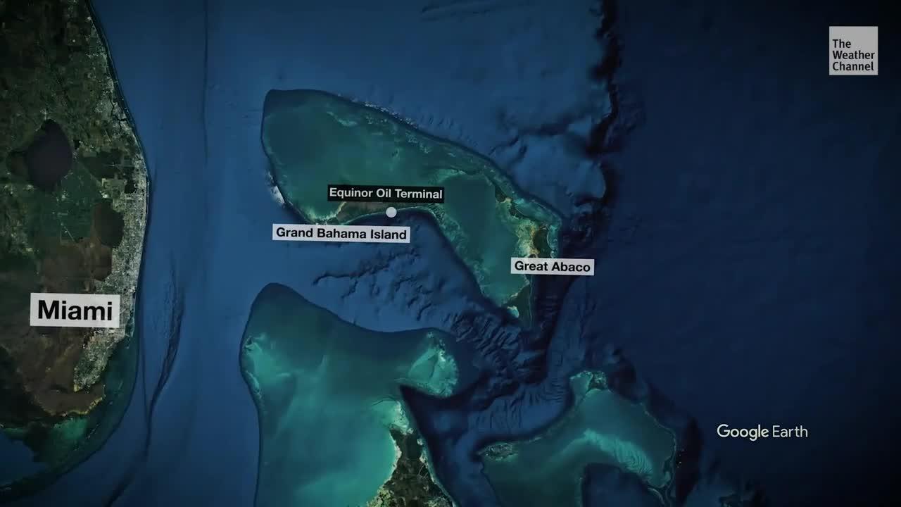 Nach den verheerenden Zerstörungen durch Hurrikan Dorian könnten ein beschädigtes Erdöllager auf den Bahamas die Naturkatastrophe noch verschlimmern. Aus einer Lagerstätte fließt Rohöl aus.