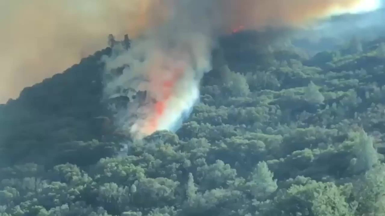 Incendio cierra entrada del Yosemite National Park