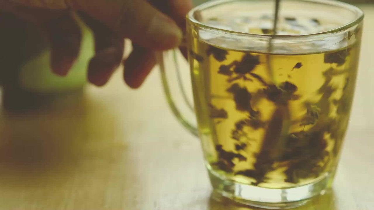 Salmonellen-Gefahr! Welchen Fehler Sie beim Teekochen vermeiden sollten