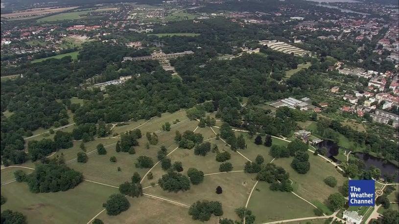 Bäume werden zur Gefahr: Parks Sanssouci bei Potsdam teilweise gesperrt