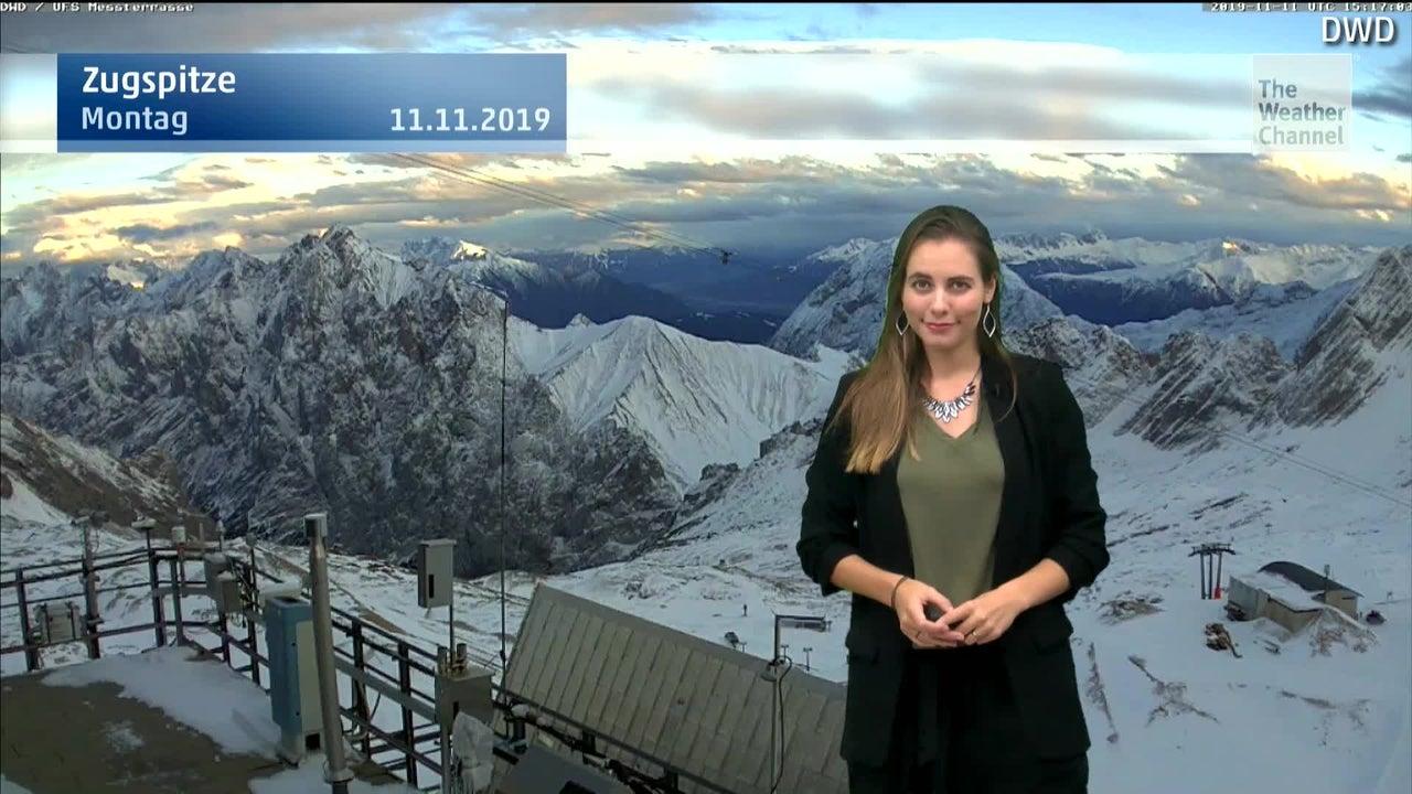 Bis zum Wochenende fällt in vielen Regionen in der Schweiz, in Österreich und Italien über ein Meter Neuschnee. Wer sich auf die schneeweißen Berge wagt, sollte jedoch große Vorsicht walten lassen: Die Lawinengefahr ist hoch.