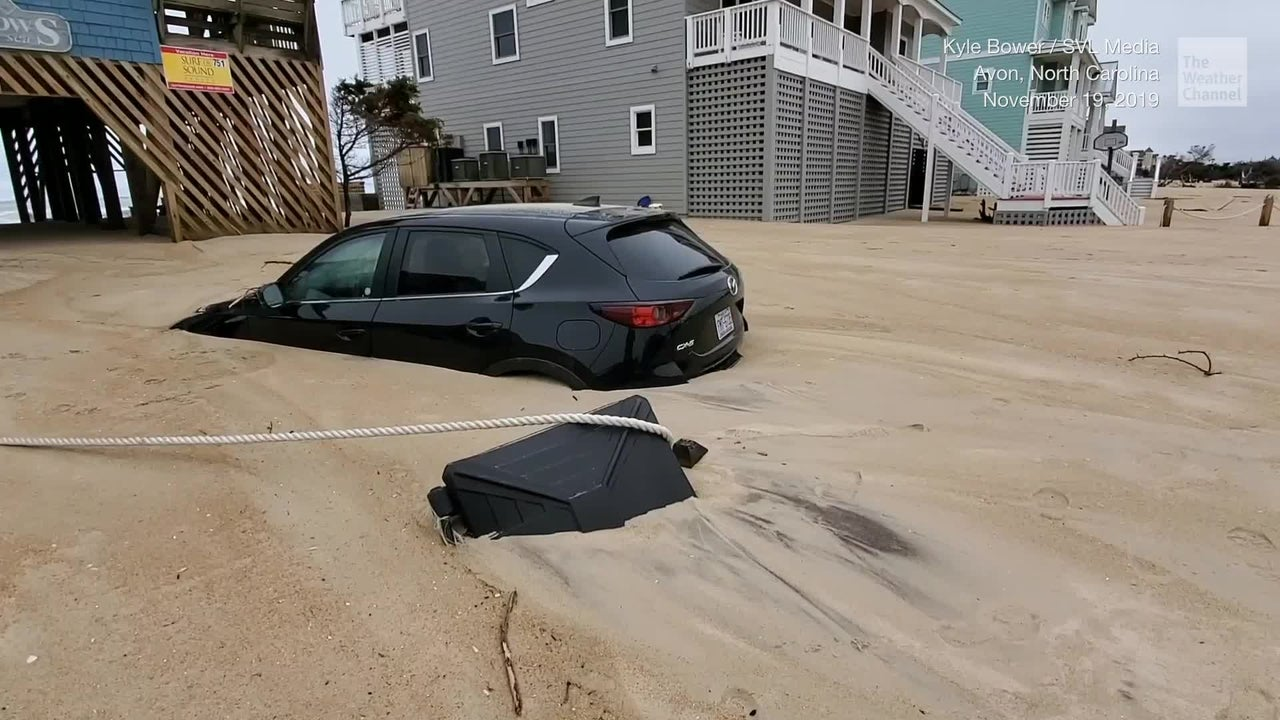 A weekend storm leaves parts of North Carolina's Outer Banks buried in sand -- and the video is unbelievable.