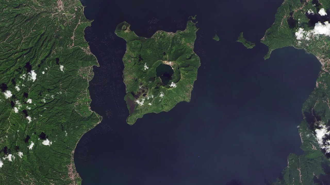 Paisaje de destrucción tras erupción volcánica