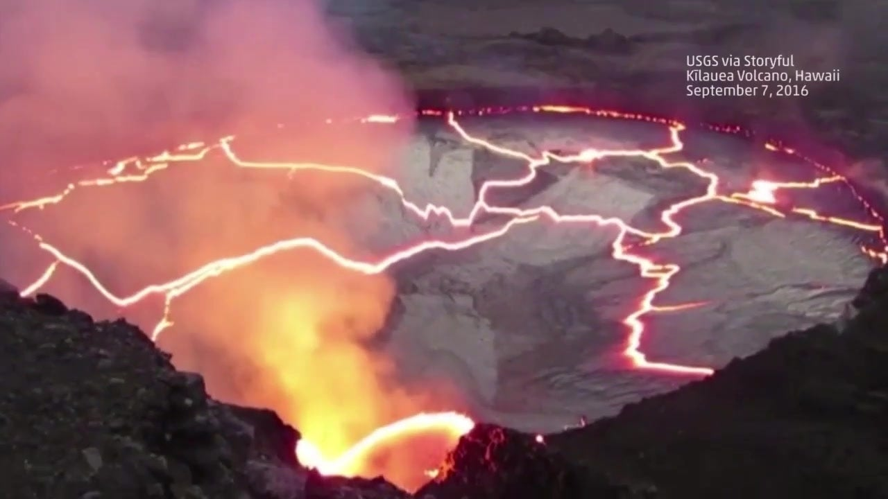 Feuerspektakel: Riesiger Schmelzsee explodiert förmlich