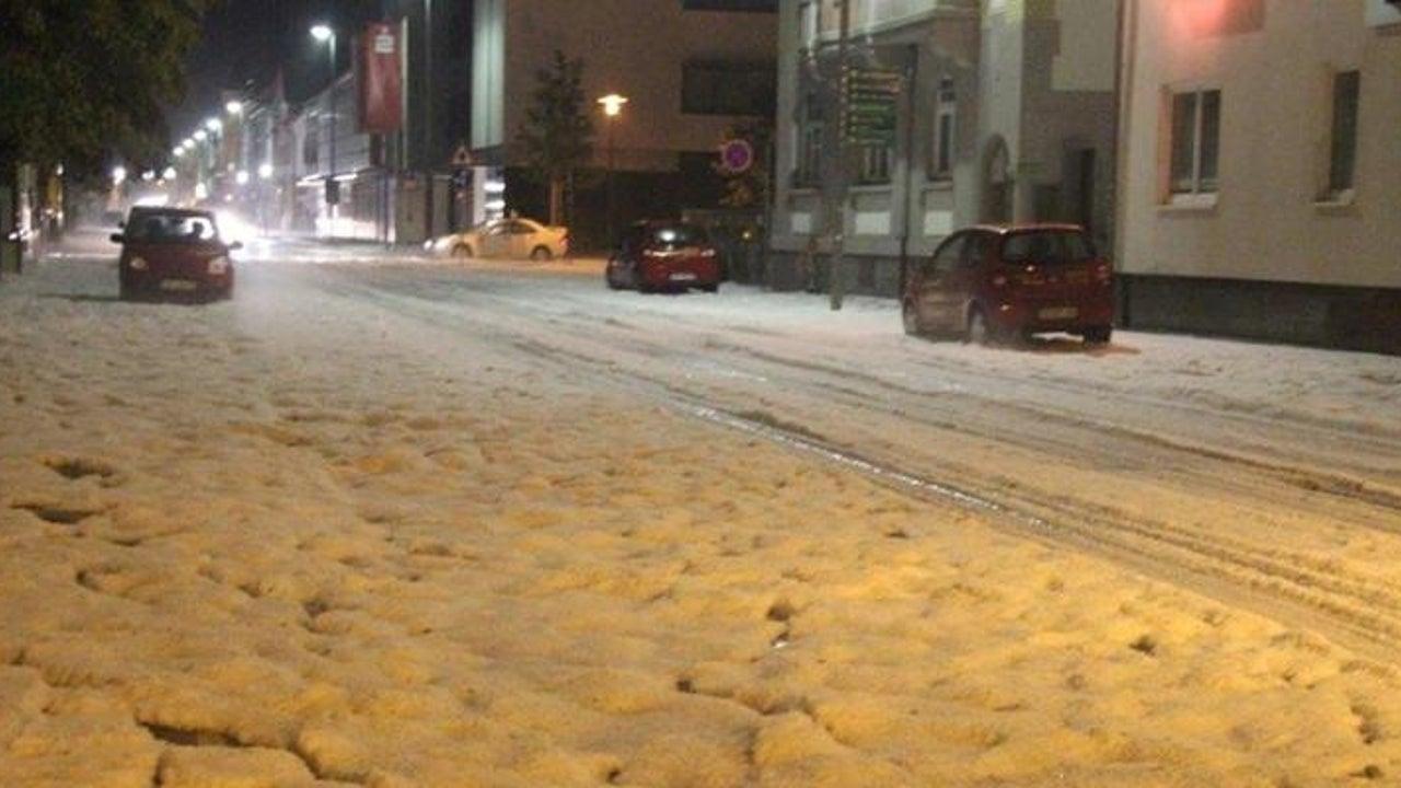 Unwetter bescheren Tuttlingen weiße Straßen