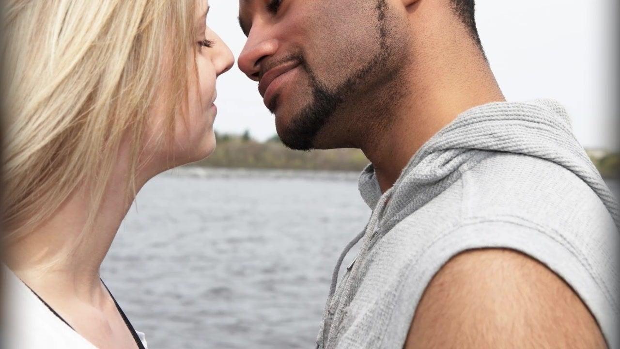Warum Sie im Herbst öfter küssen sollten