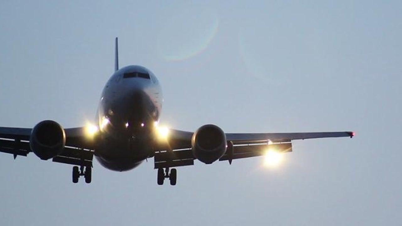 Landung wegen Notfall - Passagiere meckern