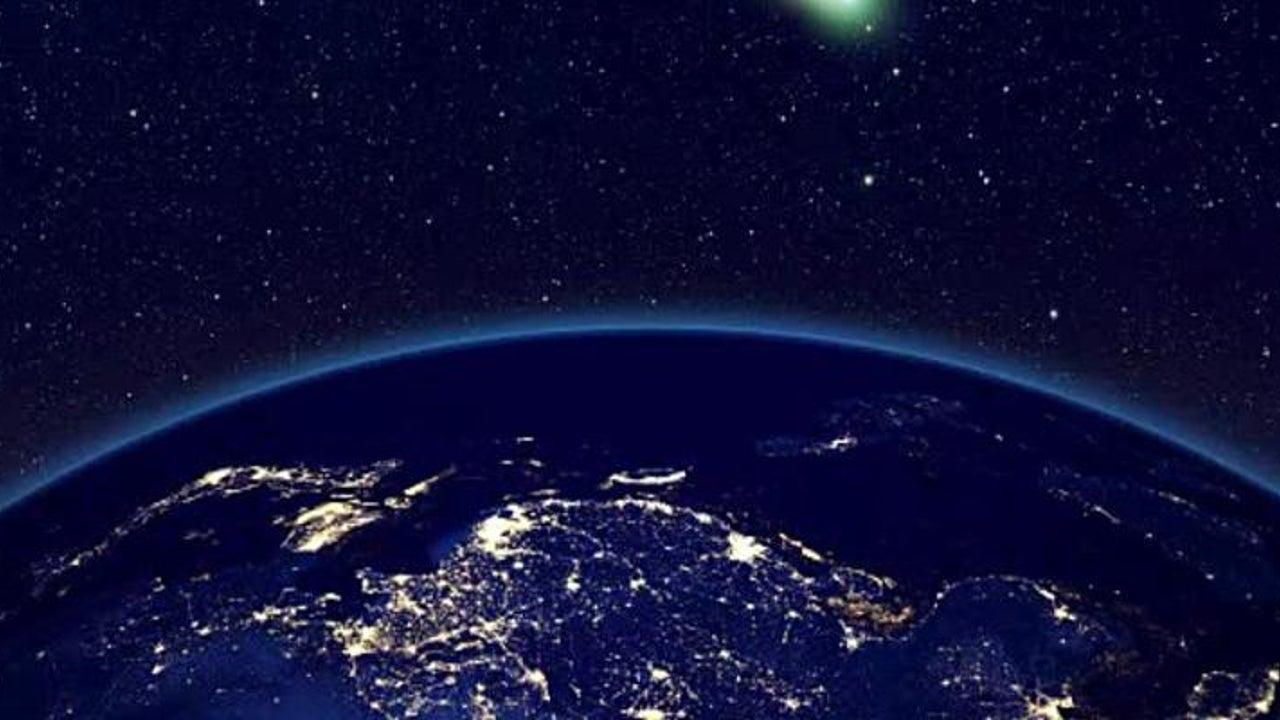 Beste Sicht auf Komet in der Morgendämmerung