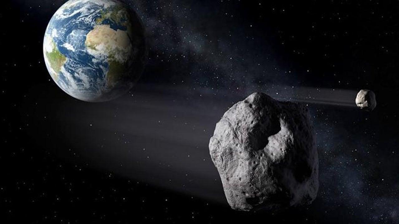 Asteroid flog knapp an der Erde vorbei