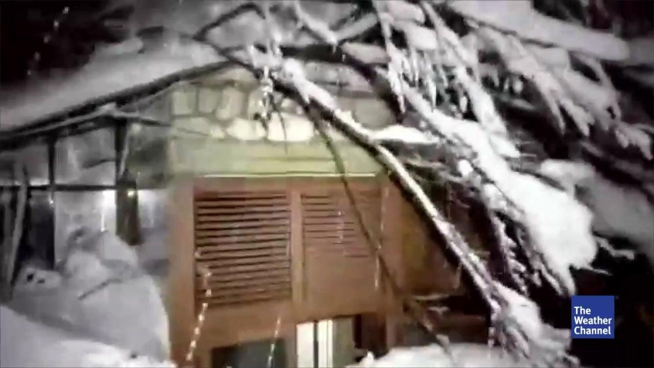 "Lawine in Italien: ""Hilfe, wir sterben vor Kälte"""